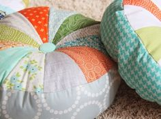 Sprocket Pillows, Cluck Cluck Sew Tutorial