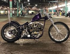 fahren ChopCult - Great looking Shovel owned by Chopper Motorcycle, Bobber Chopper, Motorcycle Garage, Motorcycle Saddlebags, Motos Harley Davidson, Old School Chopper, Old School Vans, Harley Bikes, New Motorcycles