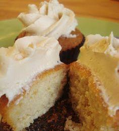 Rosso Gourmet: Cupcakes de cajeta (receta para extrañar menos mi tierra)