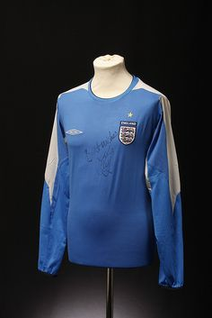 England Football Shirt (Goalkeepers, 2003-2004)