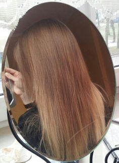 Dark blonde ombre hair