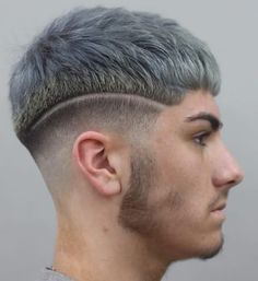 Caesar Haircut With Surgical Line ? A Caesar haircut for men is really trendy today. Check out our gallery to find the best modern hair style. Low Fade Haircut, Crop Haircut, Modern Hairstyles, Cool Hairstyles, Hairstyles Haircuts, Men Hair Color, Hair Tattoos, Beard Styles, Haircuts For Men