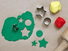 8 Kids Crafts for a Rainy Day >> http://blog.diynetwork.com/maderemade/2013/06/18/8-fun-crafts-for-a-rainy-day/?soc=pinterest
