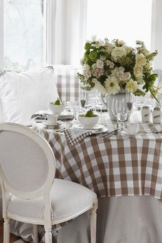 Dining room with brown & white gingham tablecloth, Oxford cloth stripe table skirt and chairs -- La Tavola Linen -- stylist: Emily Baker Beautiful Table Settings, Deco Table, Luxury Interior Design, Decoration Table, Cool Ideas, Cozy House, Country Decor, Country Charm, Cottage Style