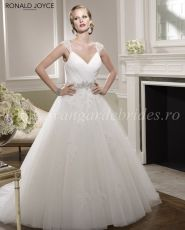 Ronald Joyce by Victoria Jane Bridal Gown Style - Begonia 67062 Inexpensive Bridesmaid Dresses, Simple Bridesmaid Dresses, Lace Homecoming Dresses, Elegant Wedding Gowns, Wedding Dresses 2014, Bridal Dresses, Wedding Wear, Gold Wedding, Ronald Joyce Wedding Dresses