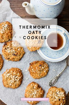 These quick and easy (like serious 10 minutes!) Oatmeal cookies are a magic in Thermomix. Get the recipe here . These quick and easy (like serious 10 minutes!) Oatmeal cookies are a magic in Thermomix. Get the recipe here . Healthy Cookies, Oatmeal Cookies, Healthy Snacks, Eating Healthy, Thermomix Recipes Healthy, Gluten Free Recipes, Thermomix Desserts, Fodmap Recipes, Fat Mum Slim
