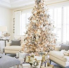 Christmas Home Tour 2017 – Silver and Gold Christmas – Randi Garrett Design – Decorate Christmas Tree Elegant Christmas Trees, Flocked Christmas Trees, Noel Christmas, Christmas Design, Rustic Christmas, Christmas Movies, Christmas Mantles, Simple Christmas, Victorian Christmas