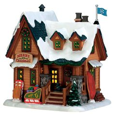 Made of rough cut logs, heavy stones and thick pine planks Vail Village is perfectly suited for the town's natural terrain and winter weather. The fast pace of an active life is obvious in this snow village displays.