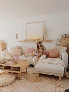 Boho Living Room, Home And Living, Living Room Decor, Bohemian Living, Living Rooms, Interior Design Living Room, Living Room Designs, Pink Home Decor, Home And Deco