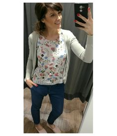 Tenký denim a espadrilky 🌼  Svetr @camaieu  Tílko a kalhoty @house_brand  Espadrilky @hm  #ootd #wiwt #outfit #outfitinspiration #outfitdailyofficial #outfitoftheday #wiw #whatiwear #whatiweartoday #whatiwore #look #lookoftheday #lotd #lookbook #fashion #dressbytez #fashionista #fashionblogger #fashiongram #fashionstyle #czech #czechgirl #czechblogger #dnesnosim  #lovefashion #style #street #streetstyle #spring