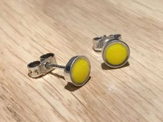 Daffodil studs - handmade in sterling silver & yellow resin