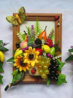 Paper Flowers Craft, Flower Crafts, Diy Crafts Hacks, Diy And Crafts, Picture Frame Wreath, Spoon Craft, Felt Fruit, Barn Wood Crafts, Clay Wall Art