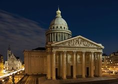 A fachada do monumento com sua enorme cúpula