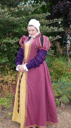 Tudor stash frock « opusanglicanum Beautiful work!