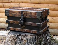 This is the most beautiful wooden and metal box you will ever see. It is patented in late Strong Box that was used to haul Gold Bullion for the Railroads. Metal Box, Wood And Metal, Deco Pirate, Wood Projects, Woodworking Projects, Wood Chest, Trunks And Chests, Gold Bullion, Into The Woods
