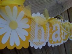 NEW ITEM   Burley Girl Original Design - White Summer Daisy Banner in all yellows with White Daisies