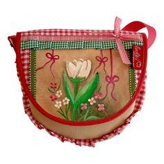 Dirndltasche Pinke Tulpe von Leolini    DIE TASCHE IST EIN ABSOLUTES UNIKAT! Sie passt von der Größe und sowohl auch von der Stoffzusammensetzung perfekt zum Trachten- bzw. Dirndloutfit.    Die Taschenklappe der Tasche ist handgemalt von Karin Weiß und mit widerstandfähigem Lack versiegelt. Das Bild ist somit wetterfest.    Die Tasche wurde ebenfalls selbst entworfen und genäht.    Herstellungsart mit Liebe entworfen, gemalt und genäht!    www.leolini.com #dirndl #tracht #oktoberfest #munich