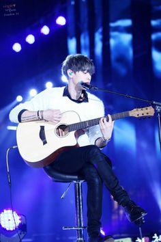 Chanyeol - 150328 KBS Music Bank in Vietnam Credit: FreeDom. (KBS 뮤직뱅크 월드투어 콘서트 in 베트남)