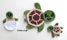 Crochet Turtle Appliques - Free and Easy patterns - - Free crochet pattern - Sea turtles Family Appliques - Tortues de mer How cute are these Sea turtles? They would be perfect for decorate a blanket! Crochet Gratis, Crochet Patterns Amigurumi, Crochet Blanket Patterns, Crochet Motif, Free Crochet, Crochet Appliques, Crochet Flowers, Crochet Stitches, Crochet Turtle Pattern Free