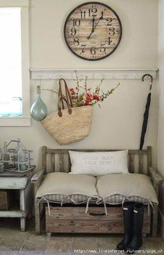 Shabby chic decor with a sisal woven basket with flowering branches. The gray wa. Shabby chic decor with a sisal woven basket with flowering branches. The gray walls and the rustic wooden bench add more earth charm to this space. Entrée Shabby Chic, Shabby Chic Entryway, Casas Shabby Chic, Shabby Chic Homes, Entryway Decor, Entryway Ideas, Hallway Ideas, Country Decor, Farmhouse Decor