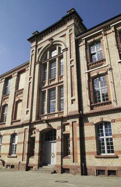 In der alten Baumwollspinnerei befindet sich das Sammlungszentrum des Historischen Museums der Pfalz in #Speyer. In den riesigen Hallen finden annähernd eine Million Fundstücke Platz. Außerdem befinden sich hier die Büros und Werkstätten von einigen Kuratoren, Dokumentaren und Restauratoren. (c) Historisches Museum der Pfalz Speyer / Nicht zur kommerziellen Nutzung freigegeben.