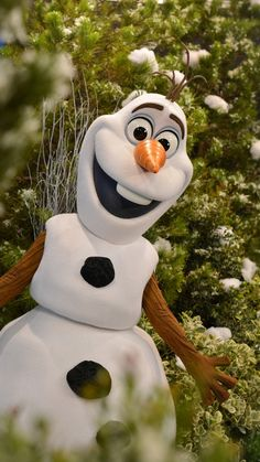 Disney World Characters | All-New Character Experiences with Olaf and Mickey & Minnie Coming Soon to Disney's Hollywood Studios