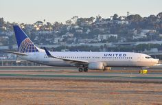 FlightMode: United B738 at Houston on Jul 11th 2016, rejected takeoff due to engine problem, next aircraft cleared for takeoff before takeoff was rejected