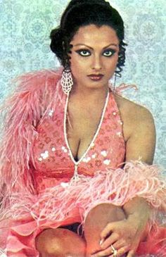 Here is a collection of bollywood actress Rekha's Hot & Sexy Images. Unseen, Rare and Childhood Photos of Rekha Indian Actress Images, South Indian Actress Hot, Indian Bollywood Actress, Bollywood Actress Hot Photos, Bollywood Girls, Beautiful Bollywood Actress, Indian Film Actress, Most Beautiful Indian Actress, Bollywood Celebrities