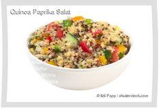 Leckeres Quinoa Paprika Salat Rezept mit einfacher Schritt-für-Schritt-Anleitung: Quinoa unter heißem Wasser in einem Sieb reinigen , Wasser in einem To...