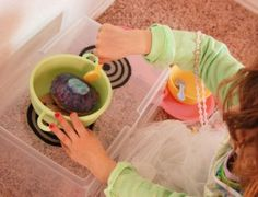 Instructions on how to transform a toy tub into a pretend kitchen stove. #kids #toys #play