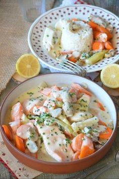 Voici un plat qui régale toute ma petite tribu, la blanquette de poisson. Vous trouverez ici une recette de blanquette aux trois poissons. Voici une autre version, je suis partie d'une recette de Cyril Lignac trouvée sur le blog de ma copinaute Cuisiner...