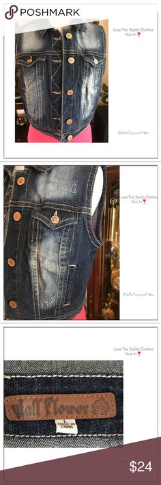Cropped Sleeveless Denim Jacket This cropped short sleeve denim jacket goes with everything! It's in like new condition.  👛 No Trade 🌸 All Offers 🌸 Click The Offer Button 🌷 Smoke Free Home  ✔️Reasonable Offer Wall Flower Jackets & Coats Vests