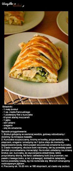 Przepis na obiad: Ciasto francuskie z kurczakiem i brokułami!