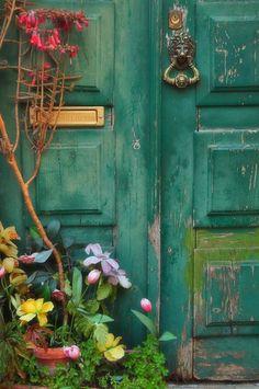 photo of green garden door - Yahoo Search Results
