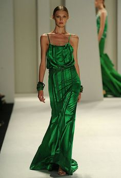 Gorgeous kelly green. Carolina Herrera Spring rtw 2012
