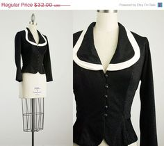 SALE 80s Vintage Black And White Fitted Collared Blouse by decades