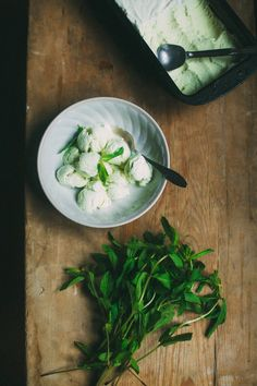 Taragon and mint ice cream - If I have a herb garden at home, I will definitely try and make this. Sounds so refreshingly interesting
