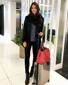 Warm and comfy long haul flight outfit ideas for travel outfits in 2019 баз Winter Fashion For Teen Girls, Cute Summer Outfits For Teens, Cute Winter Outfits, Stylish Outfits, Teenager Outfits, Kawaii Couple, Flight Outfit, Airport Outfit Long Flight, Airport Outfits