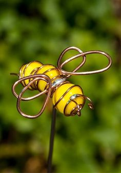 Garden Stake - Bumble Bee Sculpture, Colorful Handmade Lawn Ornament Yard Decor