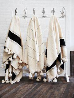 Moroccan Décor: Home Decor, Home Improvement & Home Design – Self Home Decor Rattan Lampe, Moroccan Decor, Home Textile, Home Decor Accessories, Decoration, Home Crafts, Diy Crafts, Room Decor, Stripes