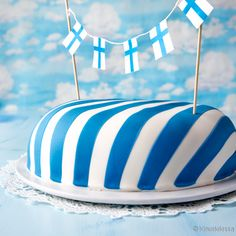 Suomi 100 -kakku   Reseptit   Kinuskikissa