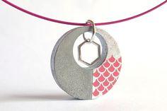Choker ketting, geometrische charme, Concrete roze hanger zilver blad, roze halsketting, Concrete sieraden, geometrische ketting, cadeau voor haar door OpificioUrbano op Etsy https://www.etsy.com/nl/listing/521574497/choker-ketting-geometrische-charme