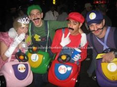 Homemade Mario Kart Group Costume... This website is the Pinterest of costumes Halloween Parade, Group Halloween Costumes, Group Costumes, Halloween Stuff, Halloween Diy, Pair Costumes, Cute Costumes, Costumes For Women, Costume Ideas
