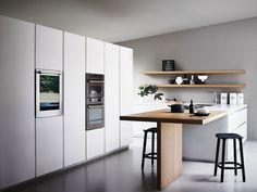 Cocina integral de vidrio grabado al ácido y roble con isla MAXIMA 2.2 - COMPOSITION 3 by Cesar Arredamenti diseño Gian Vittorio Plazzogna