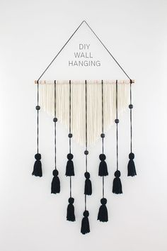 20 Yarn Wall Hanging Crafts is part of Wall hanging diy - Creating a Yarn Wall Hanging is actually very simple and the results are stunning! Easy DIY Craft Tutorial Ideas for Home Inexpensive Home Decor Diy Home Decor Rustic, Inexpensive Home Decor, Home Decor Wall Art, Home Decoration, Bedroom Decor, Easy Diy Room Decor, Diy Wall Art, Bedroom Ideas, Wall Hanging Crafts