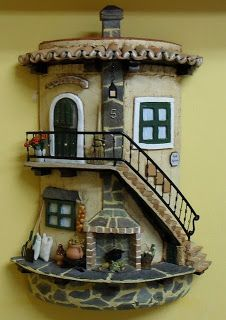 Risultati immagini per teja decorada en relieve Clay Houses, Ceramic Houses, Miniature Houses, Tile Crafts, Clay Crafts, Clay Wall Art, Clay Flower Pots, Roof Tiles, Fairy Doors