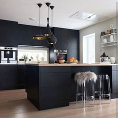 Kitchen scandinavian country dining rooms 64 ideas for 2019 Kitchen Sets, Home Decor Kitchen, Kitchen Interior, Diy Kitchen, Kitchen Island, Country Dining Rooms, Kitchen Wall Colors, Small Room Design, Scandinavian Kitchen