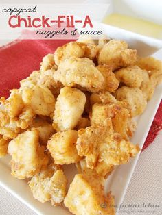 Copycat Chick-Fil-A Nuggets and Sauce - This is one of the best copycat recipes around. If you love Chick-Fil-A nuggets, you've got to try this easy at-home verson. Milanesa, I Love Food, Good Food, Yummy Food, Tasty, Great Recipes, Favorite Recipes, Easy Recipes, Easy Meals