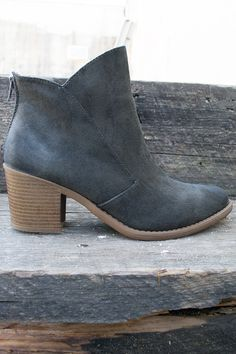 """Comfortable ankle boots with a worn toe look that is a bit darker. Zips up the back for ease of getting on. 3"""" heel at the highest point. Stitching contrast on each side. Love these! A slightly cushio"""