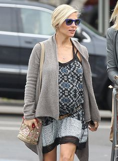 51321856 Pregnant 'Fast Five' actress Elsa Pataky stocks up on groceries at Whole Foods in Santa Monica, California on February 4, 2014. FameFlynet, Inc - Beverly Hills, CA, USA - +1 (818) 307-4813